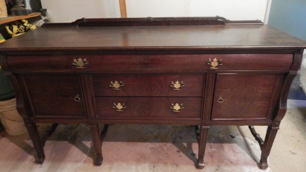 1910-1920s walnut sideboard