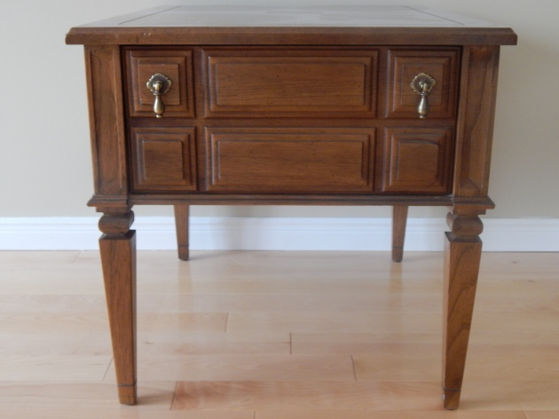 Awesome vintage Kroehler end table