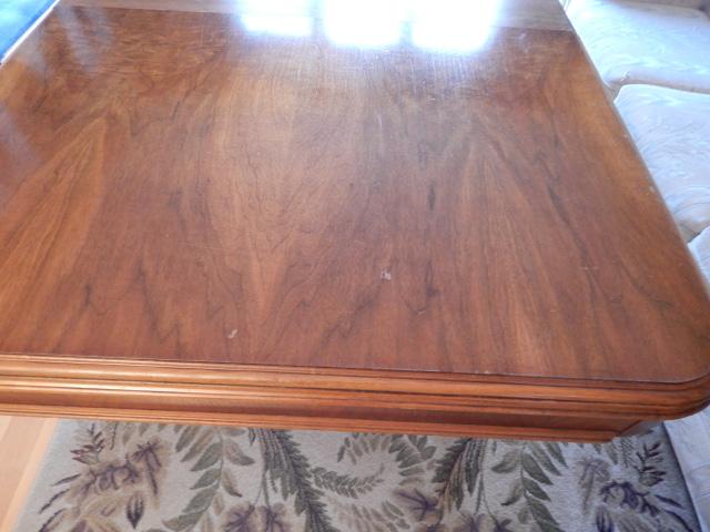 1920s Table Top Walnut Veneer